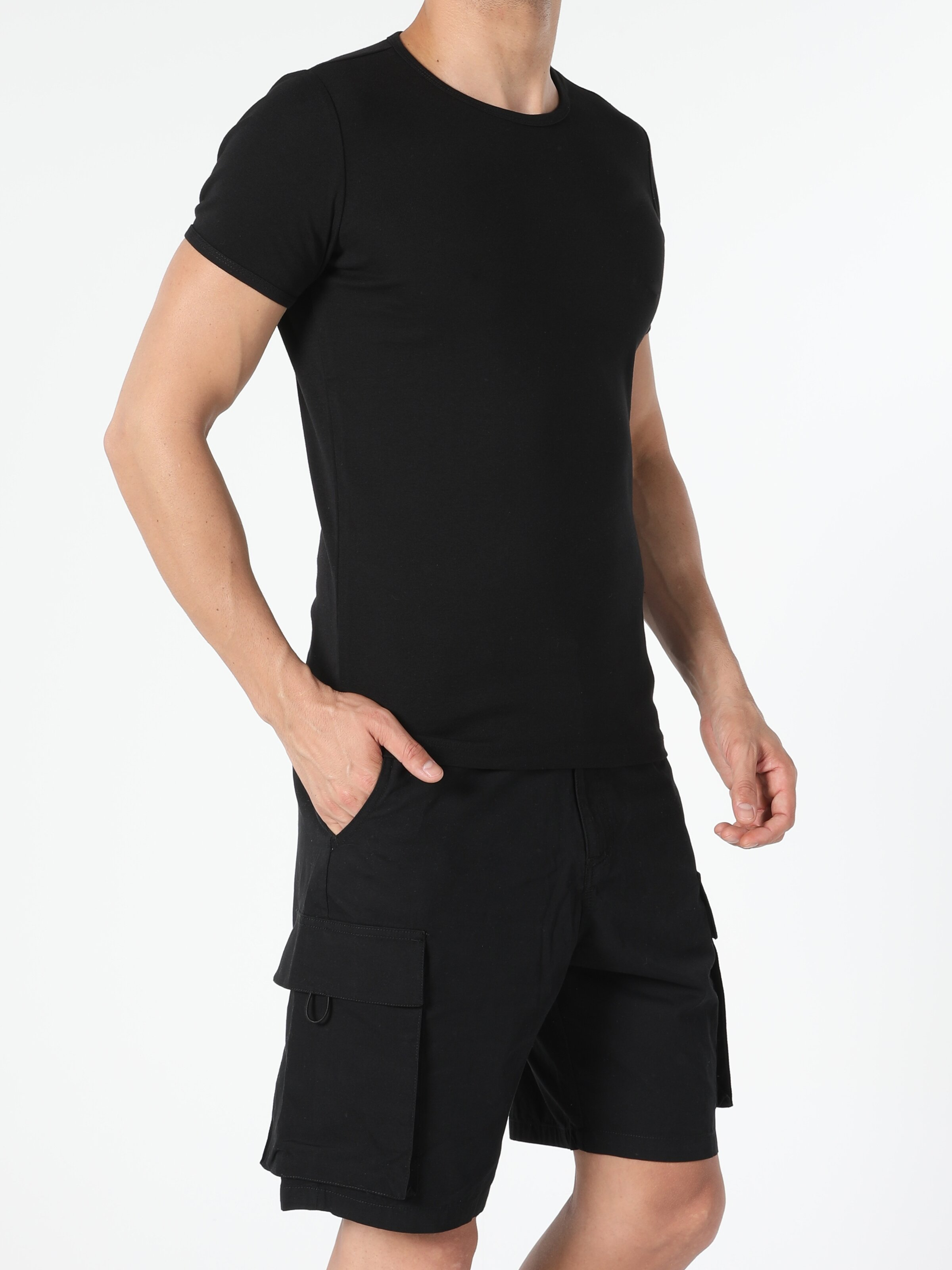 Slim Fit Bisiklet Yaka Örme Erkek Siyah Kısa Kol Tişört