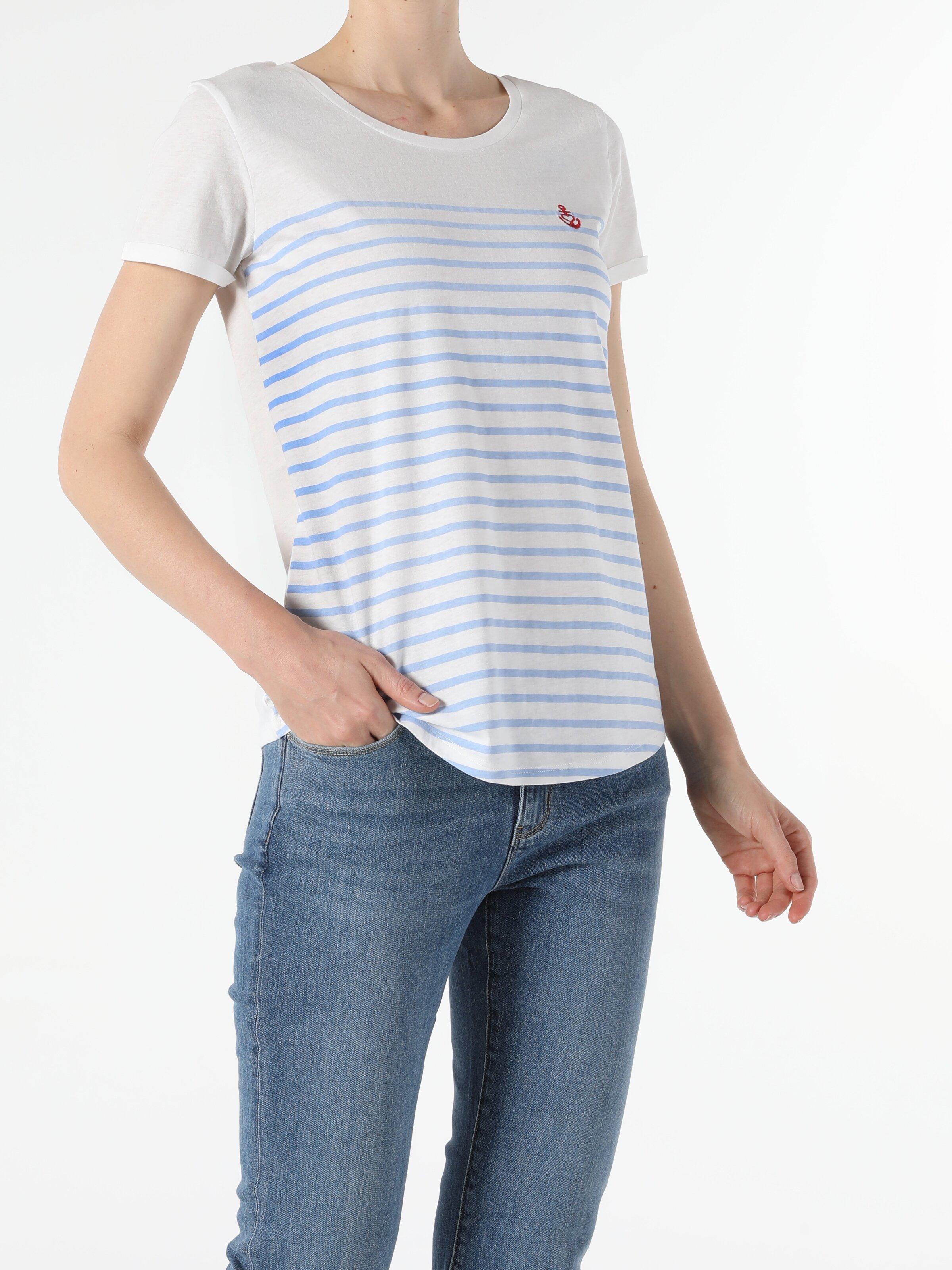 Regular Fit Bisiklet Yaka Örme Kadın Açık Mavi Kısa Kol Tişört