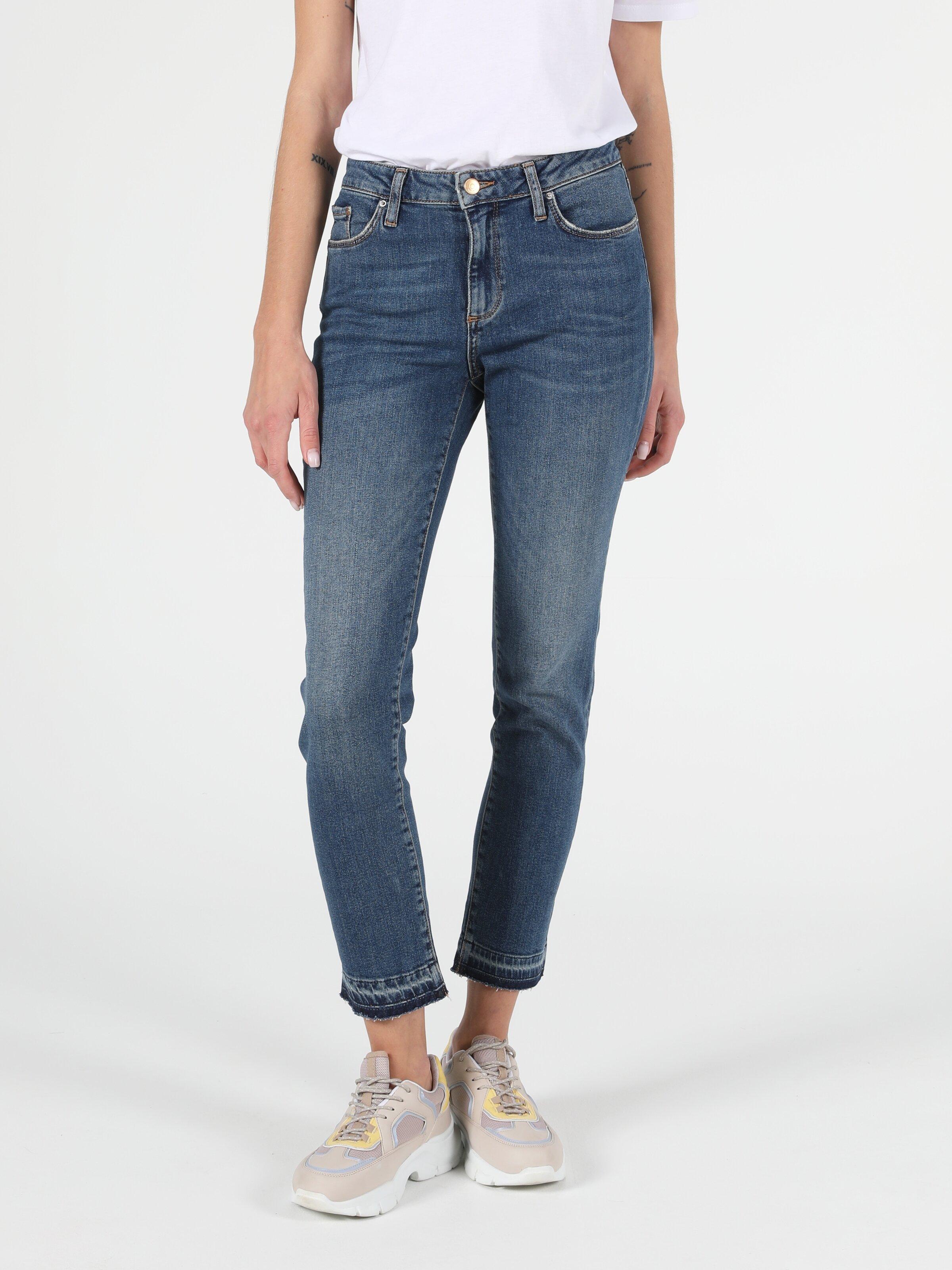 703 Carla Slim Fit Orta Bel Düz Paça Kadın Jean Pantolon
