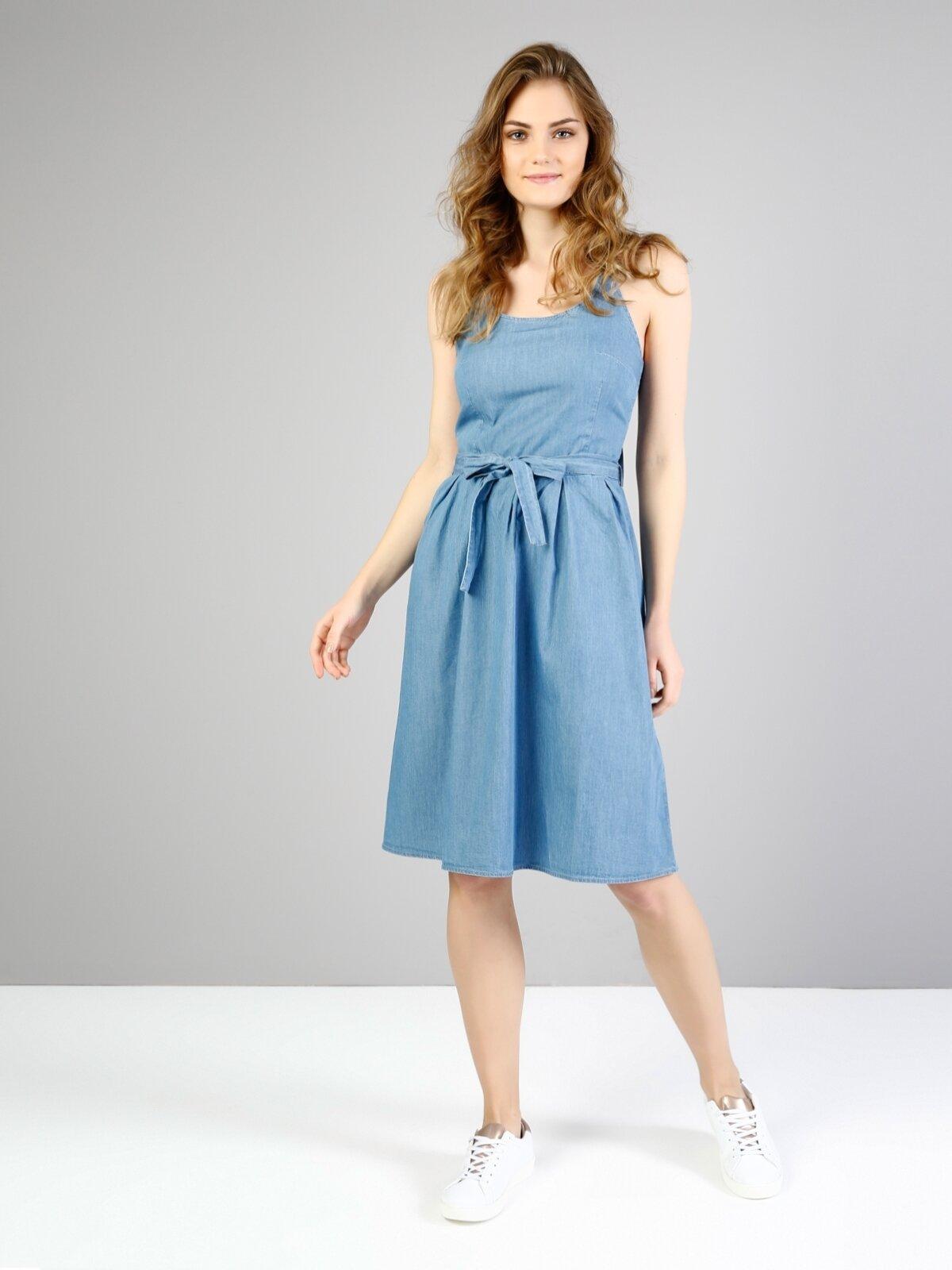 Mavi Derin Yuvarlak Yaka  Kolsuz Jean Elbise