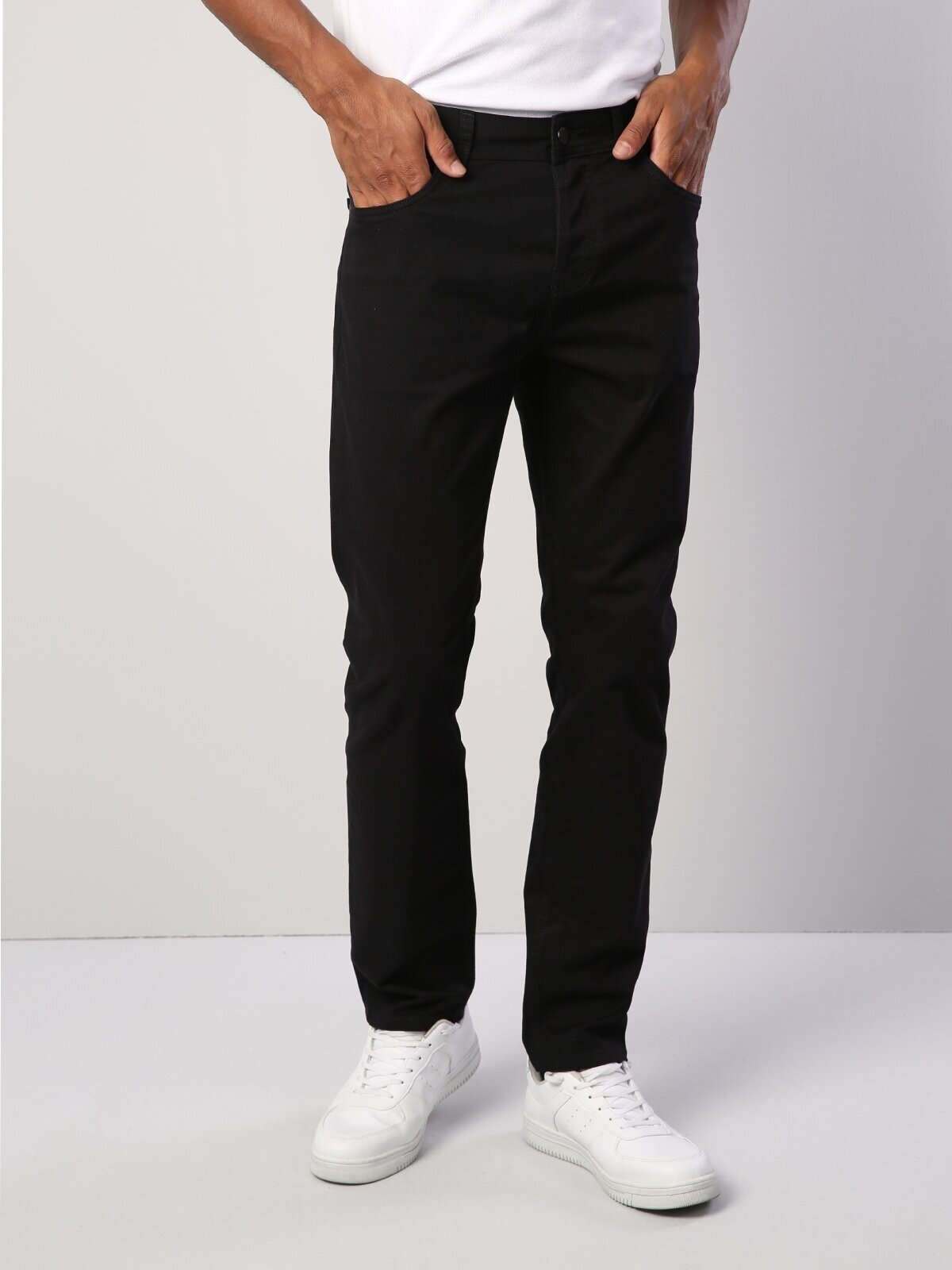 044 Karl Straight Fit Düz Paça Siyah Erkek Pantolon