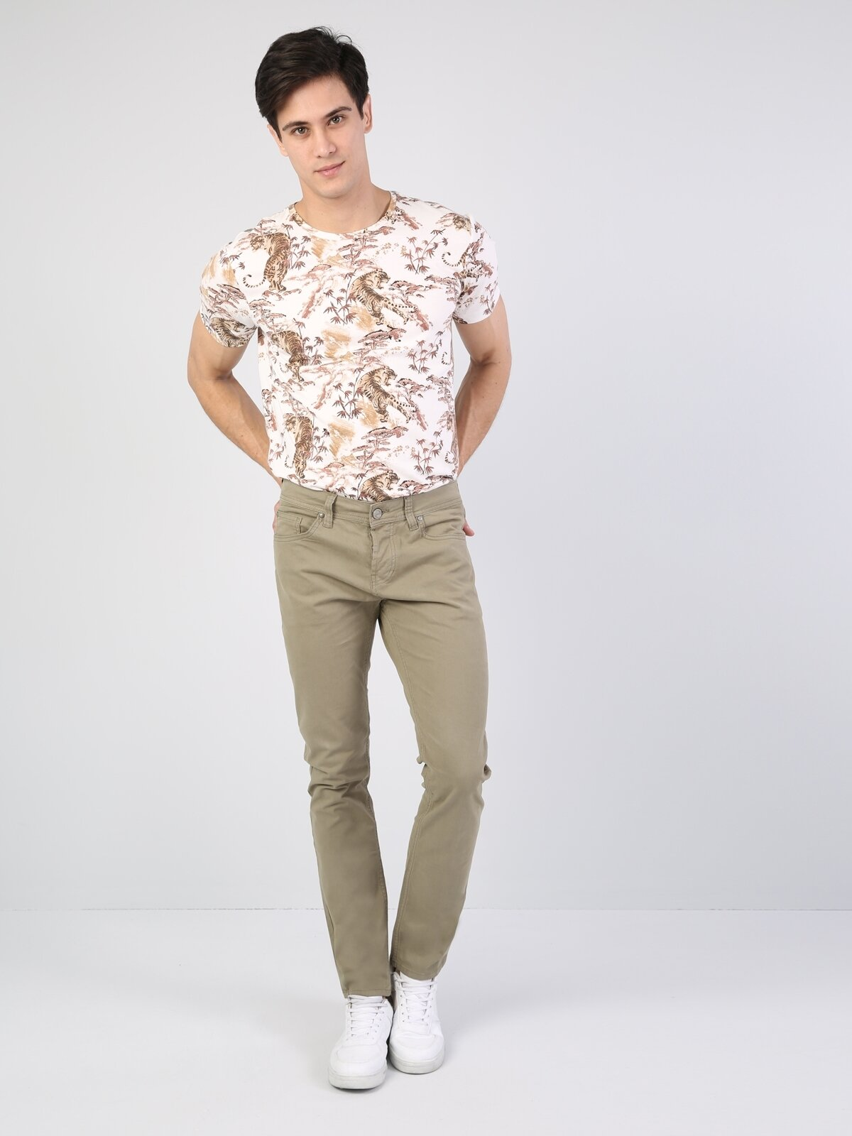 044 Karl Slim Fit Yüksek Bel Dar Paça Açık Yeşil Erkek Pantolon
