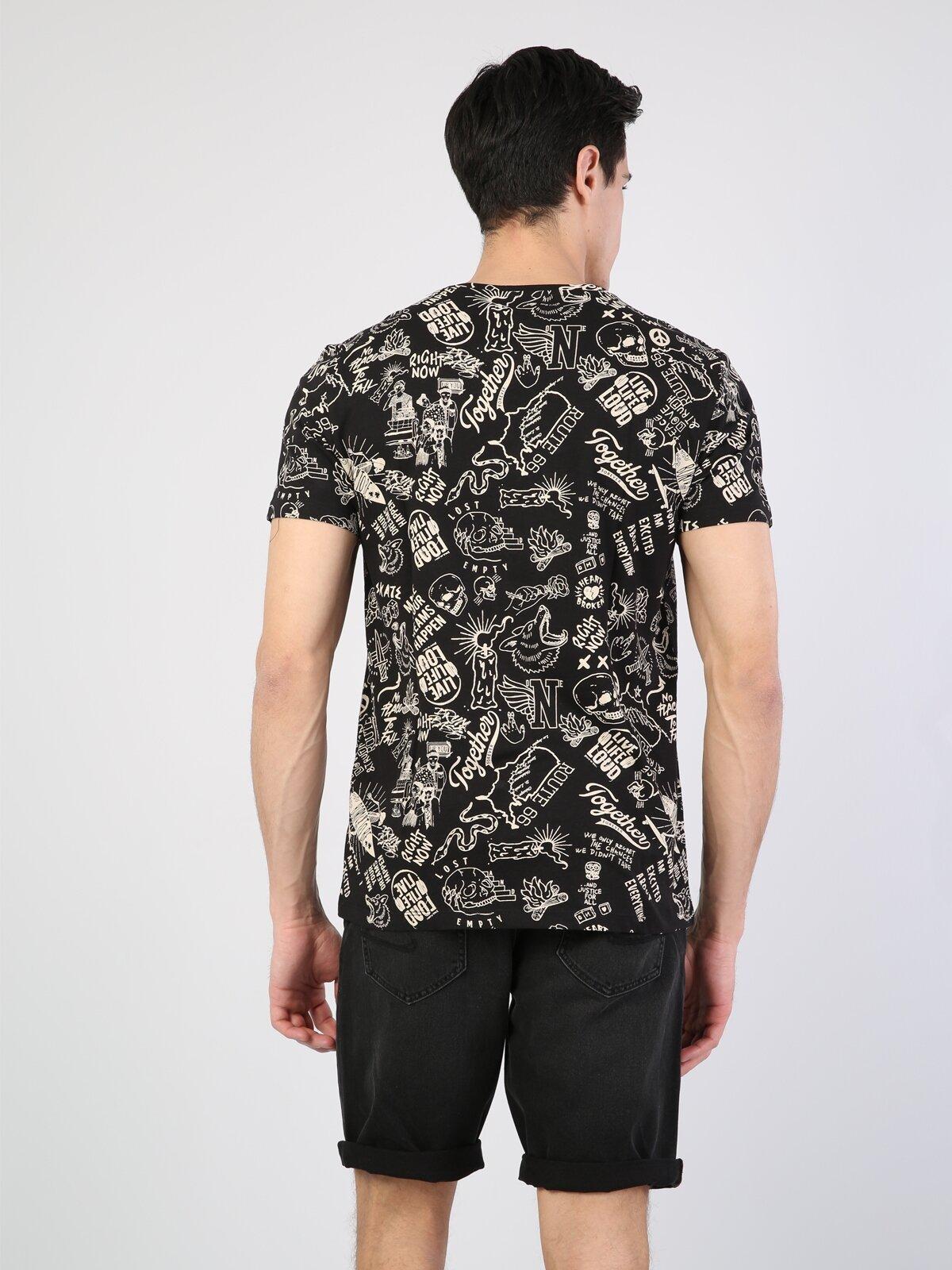 Siyah Yuvarlak Yaka Kısa Kol Tişört