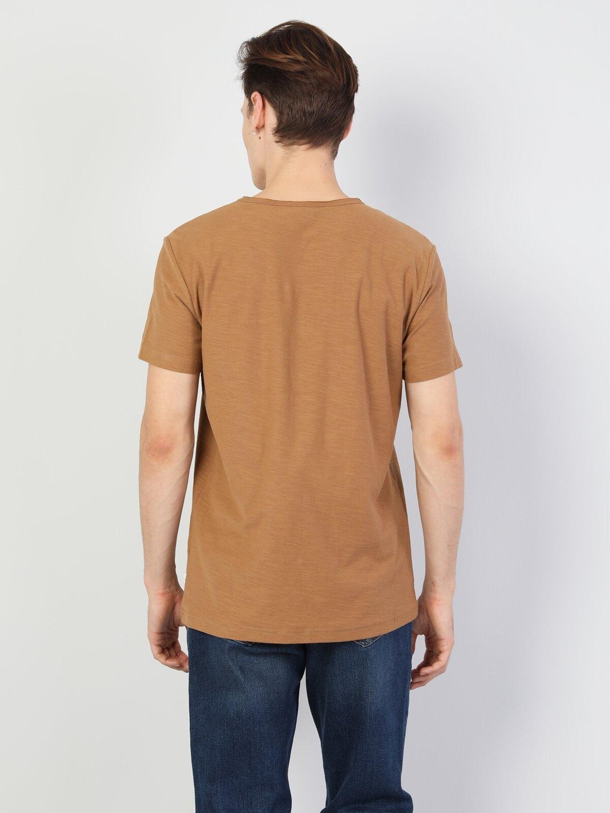 Regular Fit V Yaka Erkek Kahverengi Erkek Kısa Kol Tişört