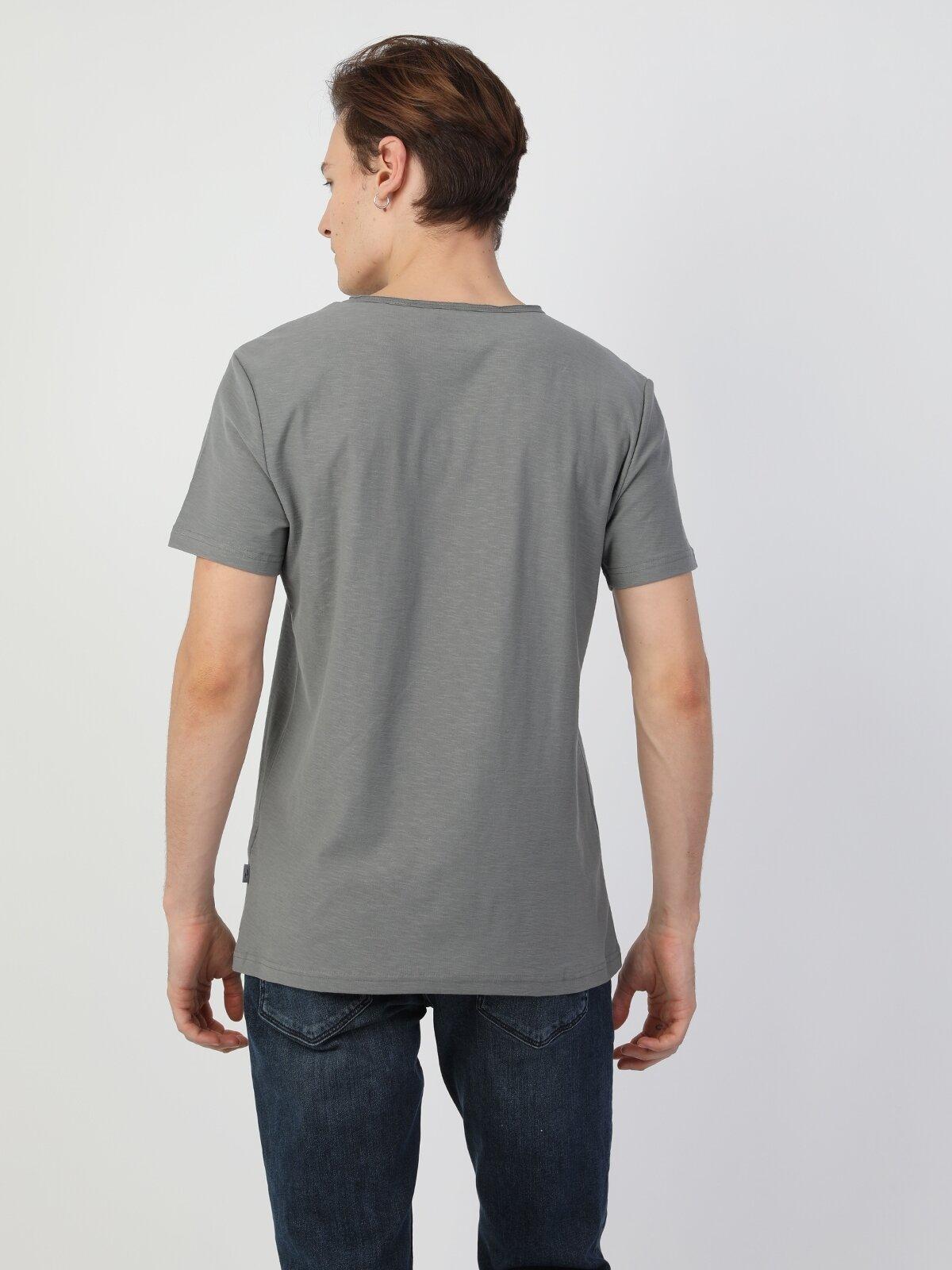 Açık Haki Yuvarlak Yaka Kısa Kol Tişört