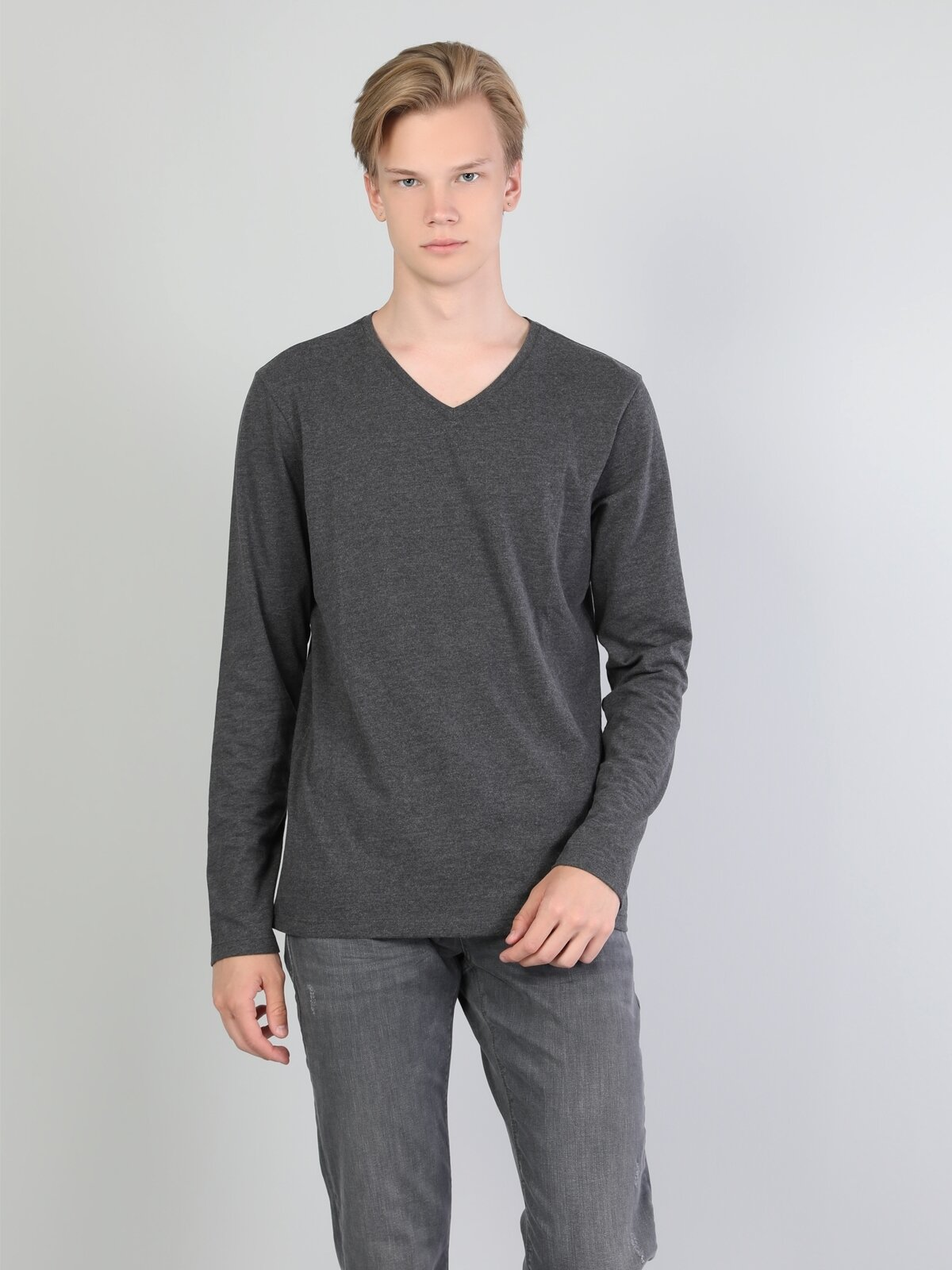 Normal Kesim V Yaka Antra Melanj Erkek Uzun Kol Tişört