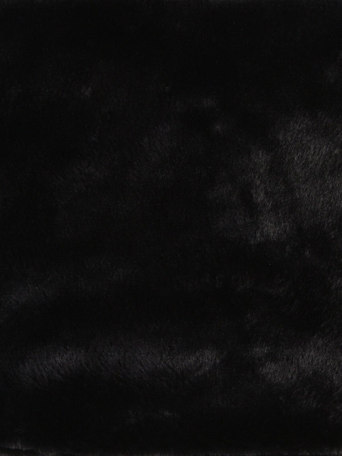 Siyah Kadın Atkı