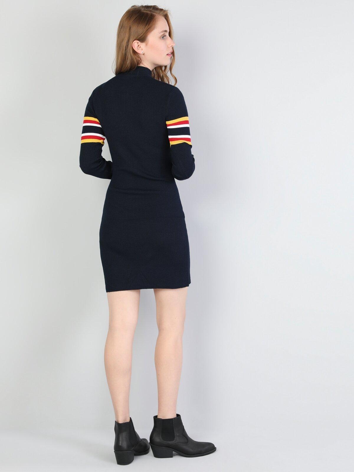 Dar Kesim Fermuar Yakalı Lacivert Kadın Elbise