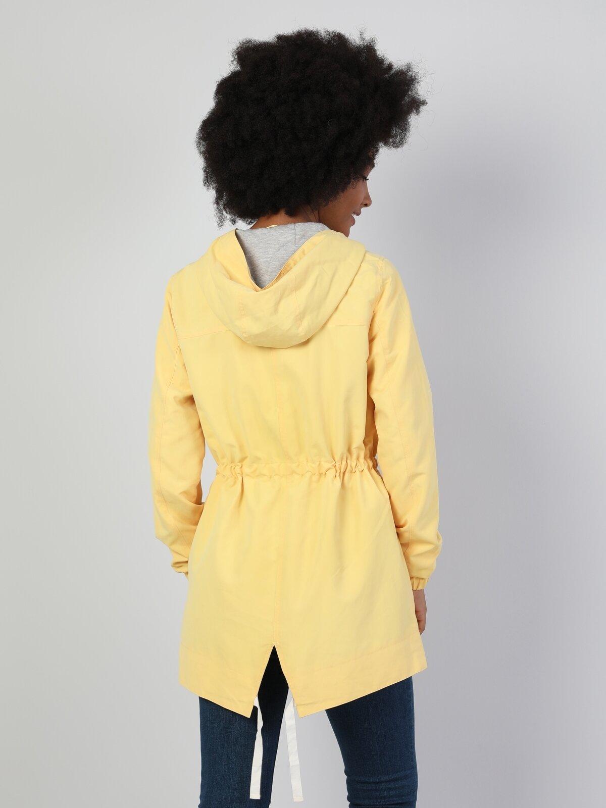 Regular Fit Kapüşonlu Sarı Kadın Mont