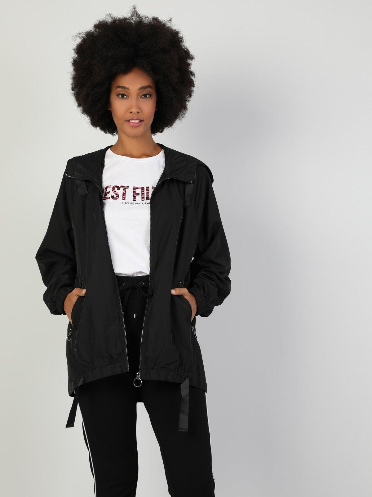 Regular Fit Kapüşonlu Siyak Kadın Mont
