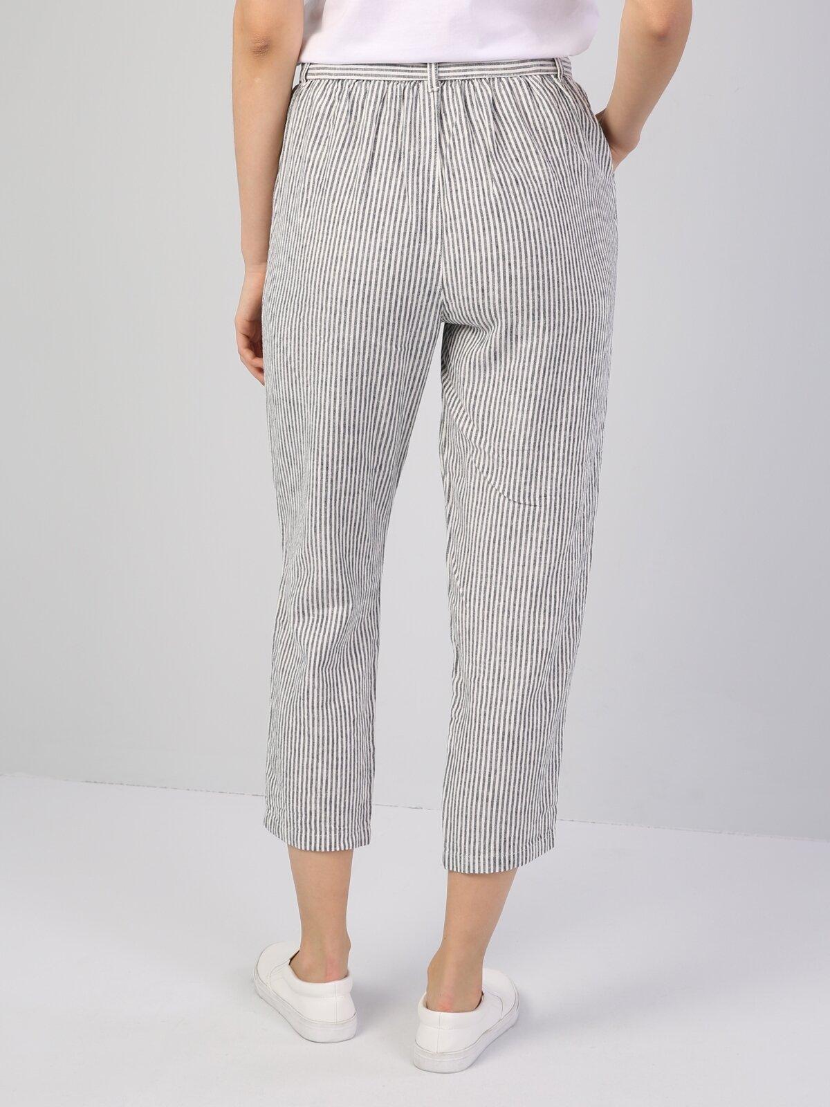 Regular Fit Orta Bel Düz Paça  Kadın Beyaz Pantolon