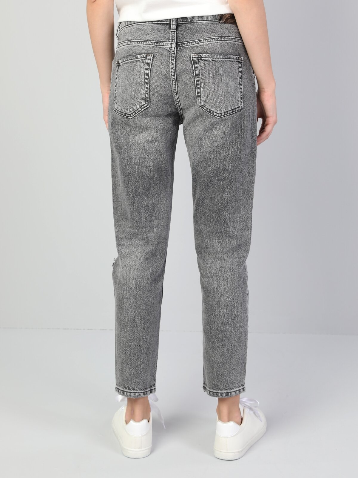 891 Maya Slim Fit Orta Bel Rahat Kesim Paça  Kadın Gri Jean Pantolon