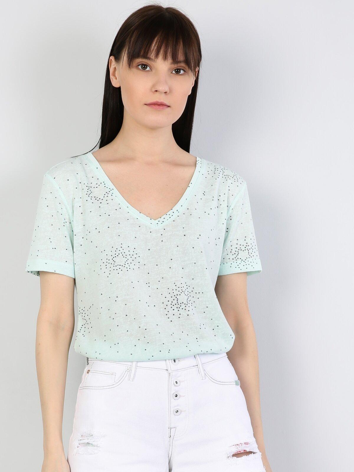 Regular Fit Standart Kol V Yaka Mint Yeşili Kadın Kısa Kol Tişört