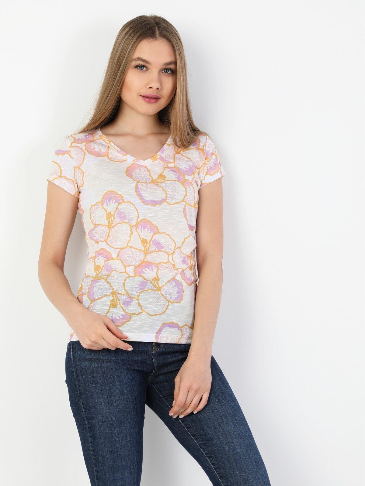 Slim Fit V Yaka Kadın Çok Renkli Kısa Kol Tişört