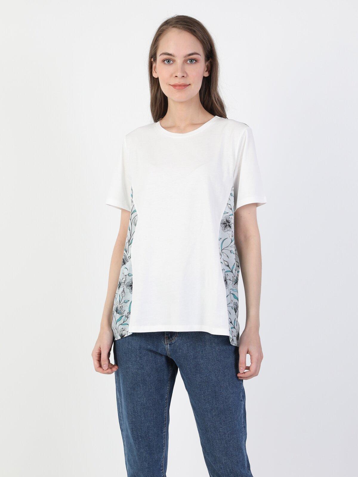 Comfort Fit Bisiklet Yaka Örme Kadın Beyaz Kısa Kol Tişört