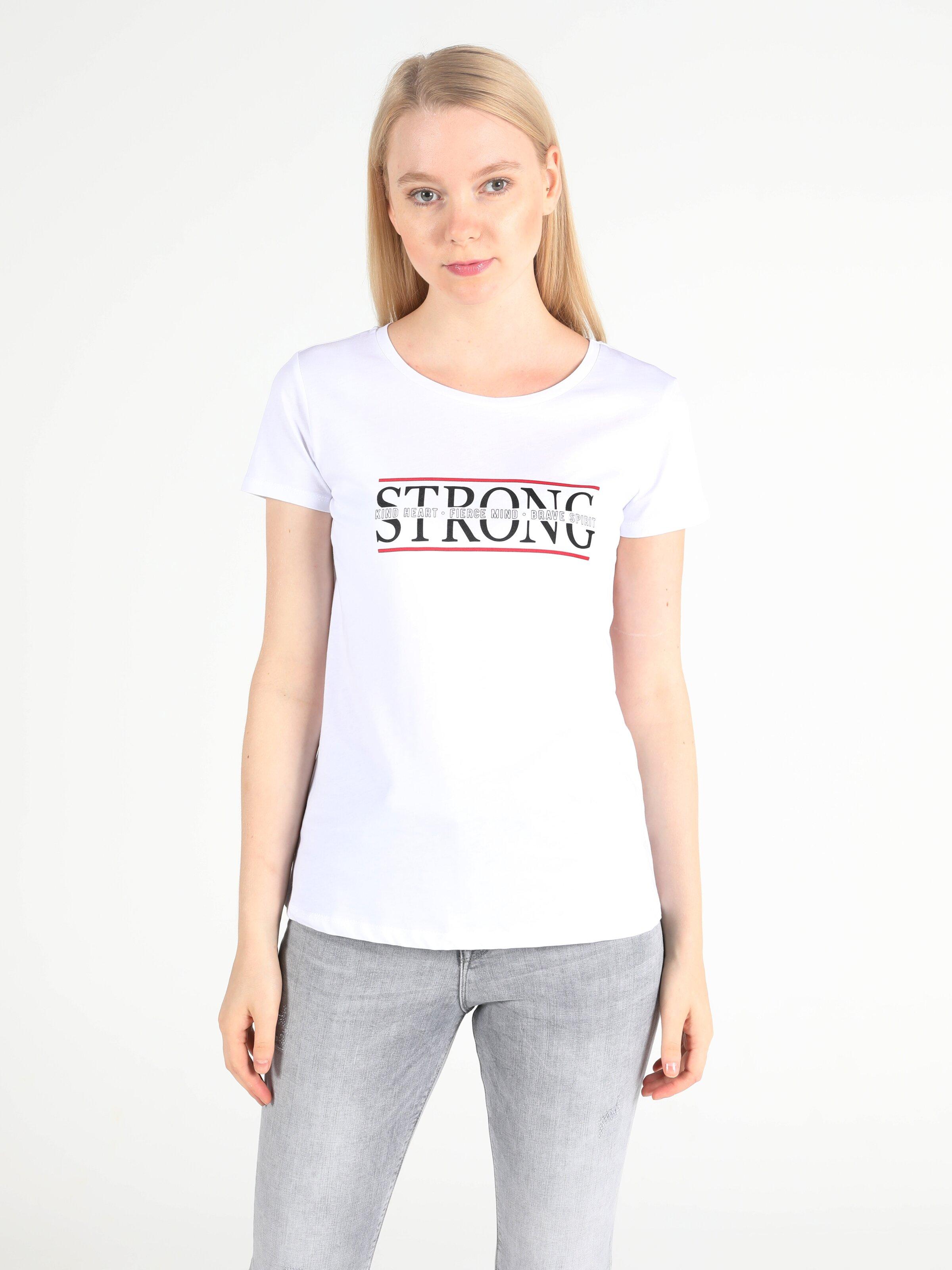 Regular Fit Bisiklet Yaka Örme Kadın Beyaz Kısa Kol Tişört