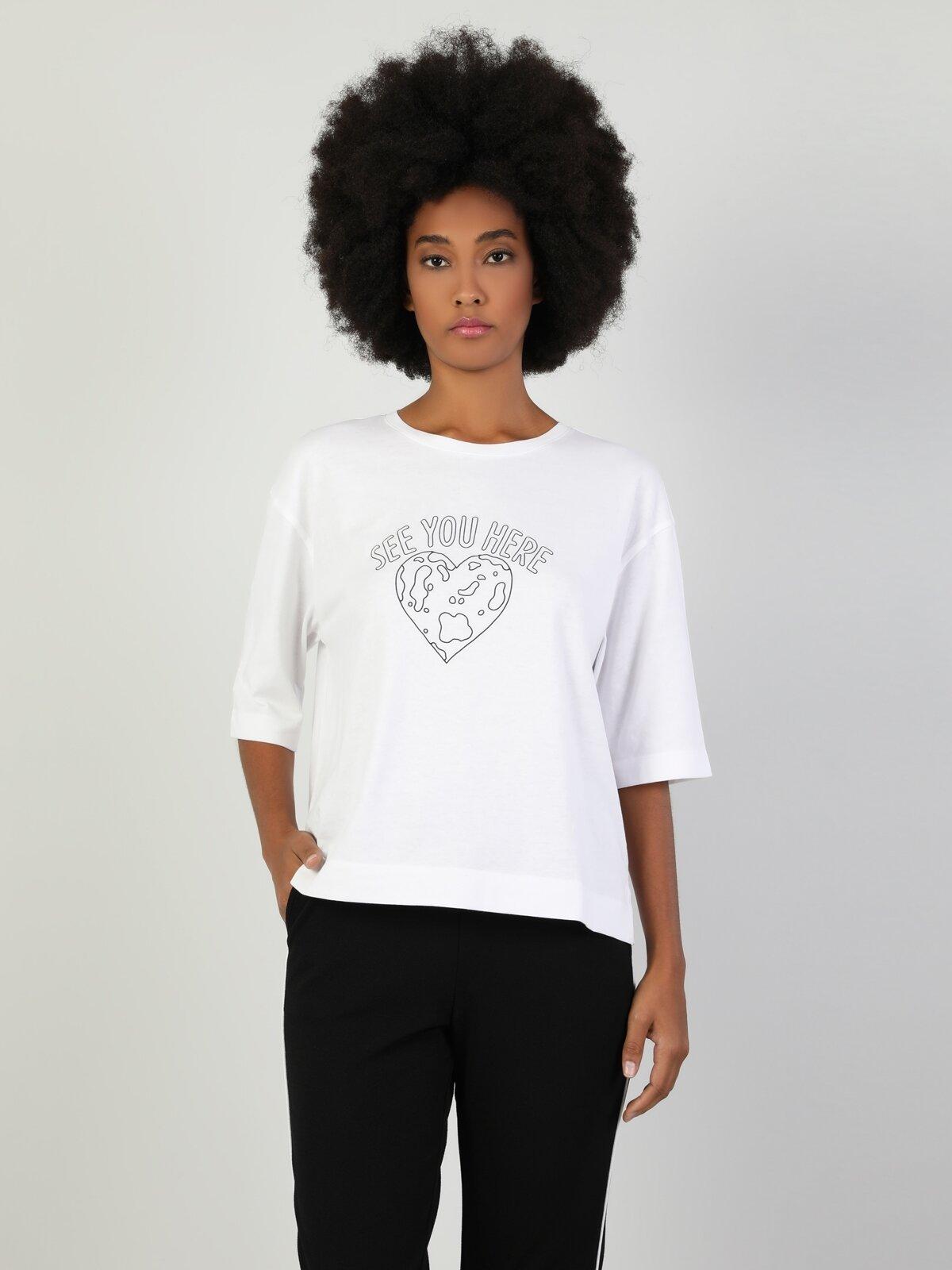 Regular Fit V Yaka Kadın Beyaz Uzun Kol Tişört