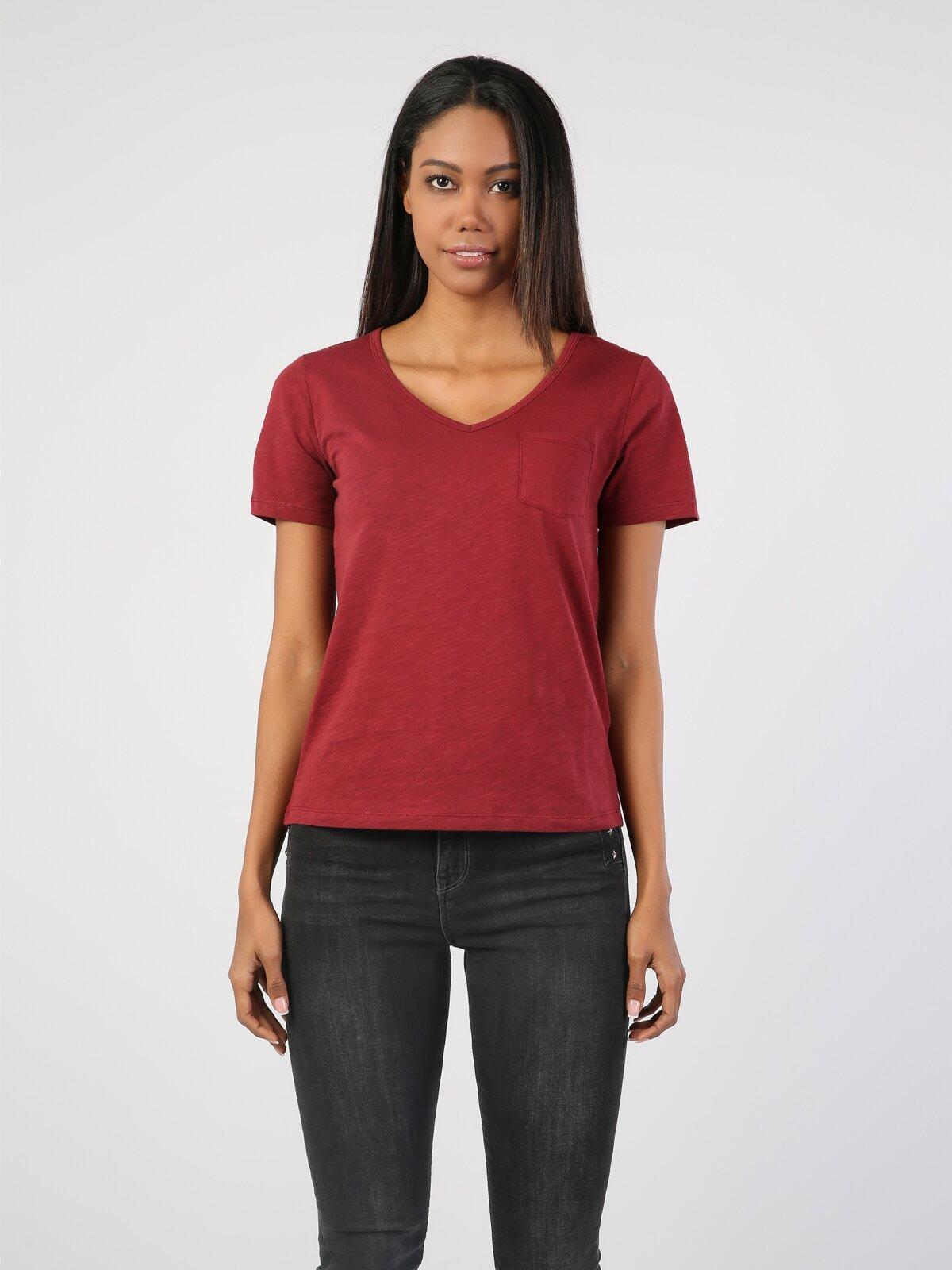 Kırmızı V Yaka Kısa Kol Tişört