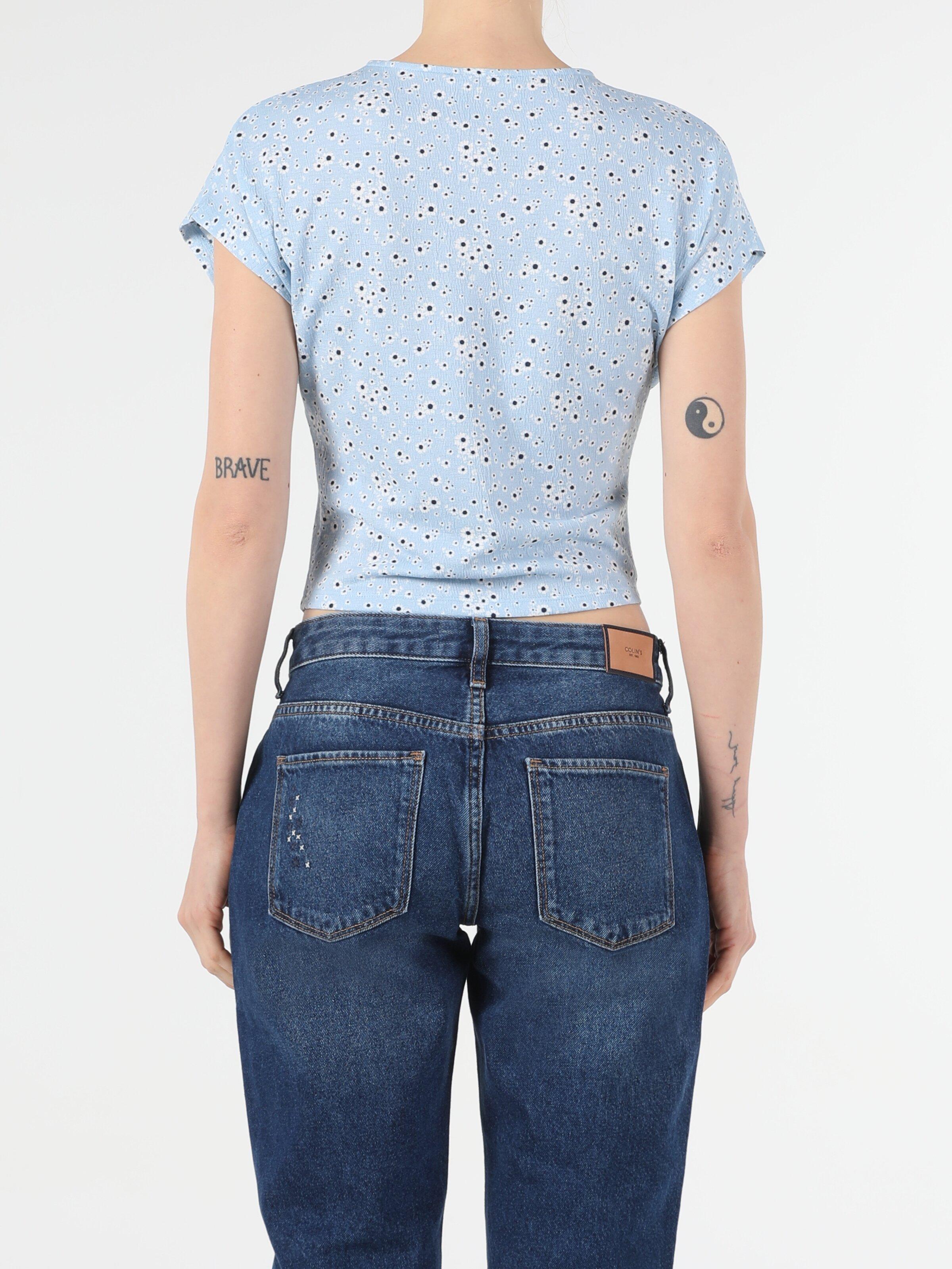 Slim Fit V Yaka Örme Kadın Mavi Yarasa Tişört