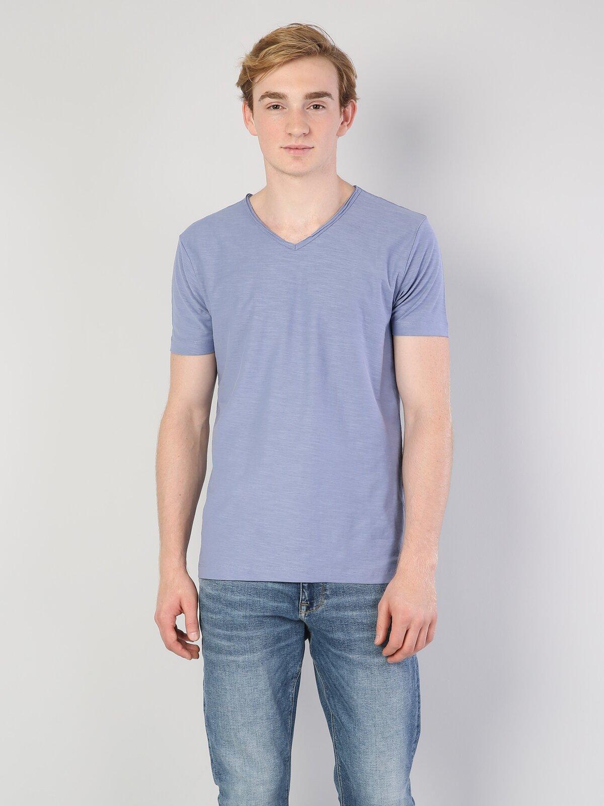 Mor V Yaka Erkek Kısa Kol Tişört