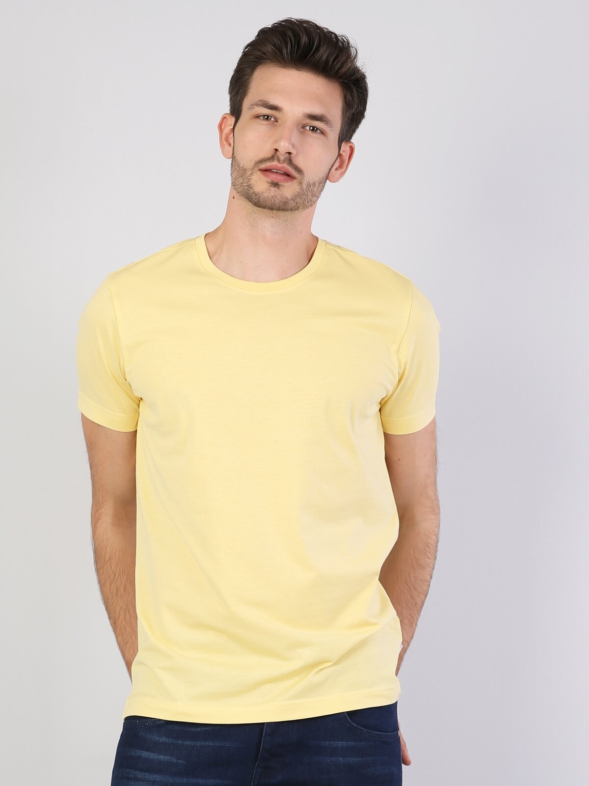 Sarı Bisiklet Yaka Kısa Kol Tişört