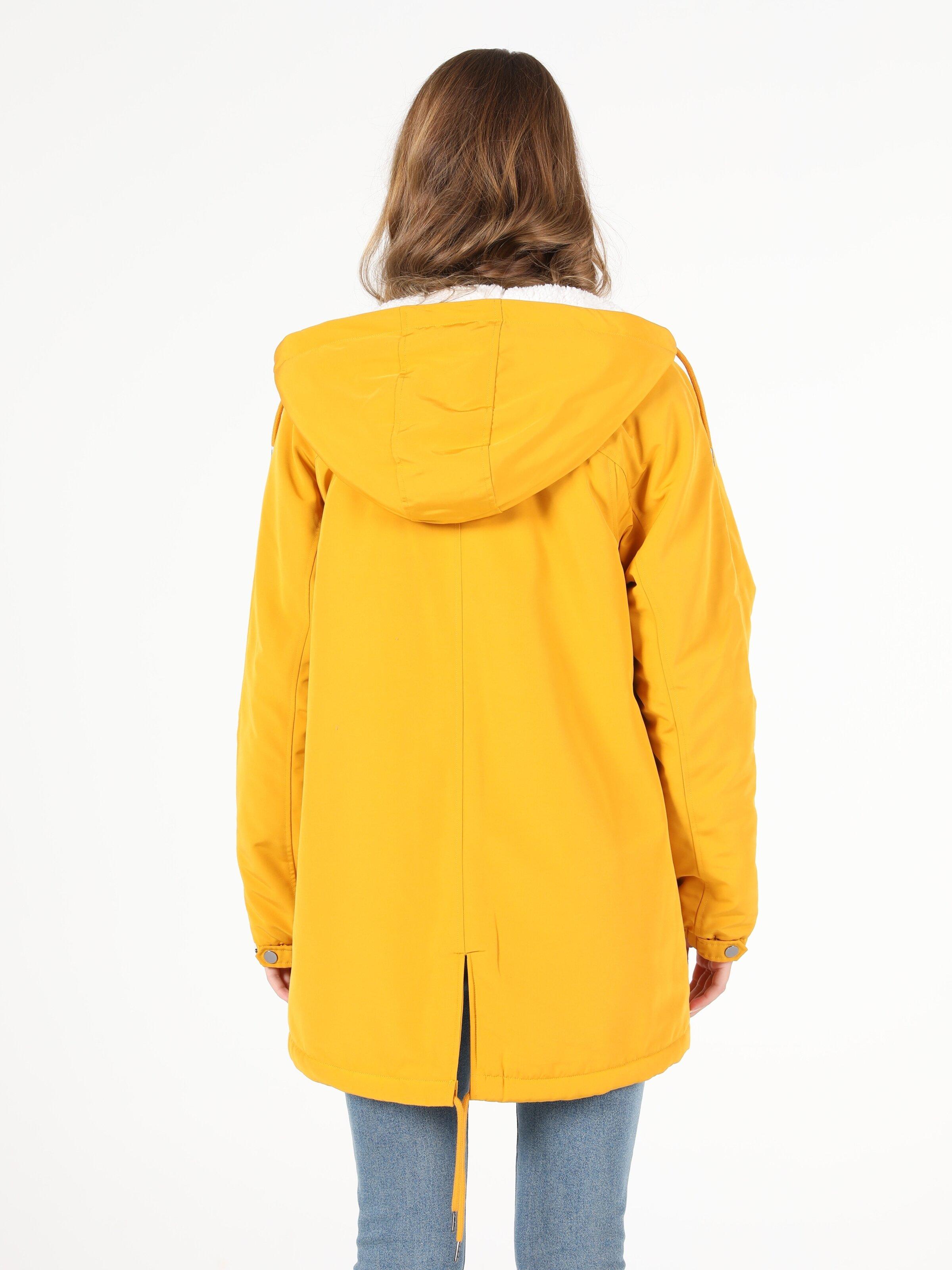 Sarı Kadın Mont