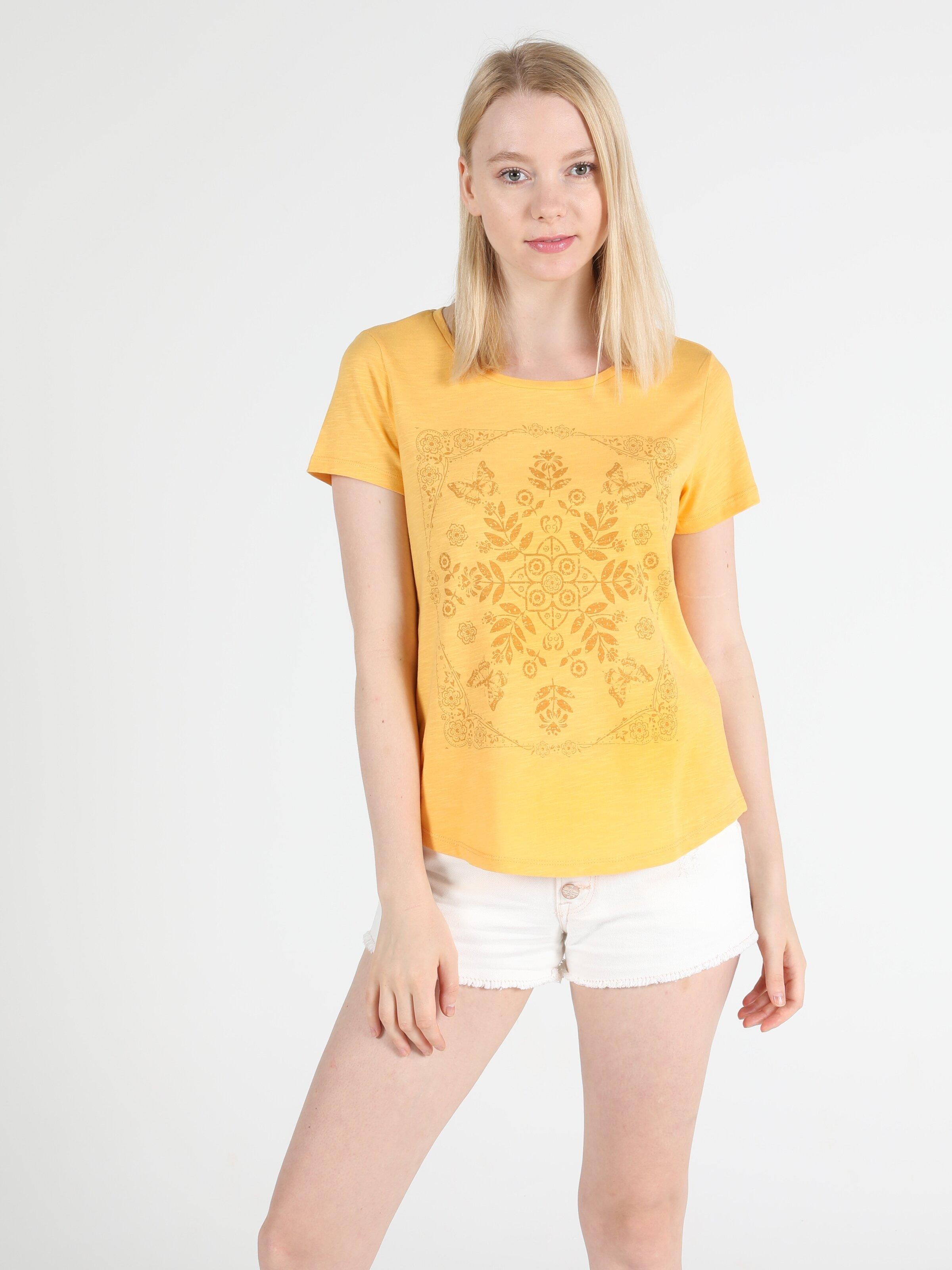 Regular Fit Bisiklet Yaka Örme Kadın Sarı Kısa Kol Tişört