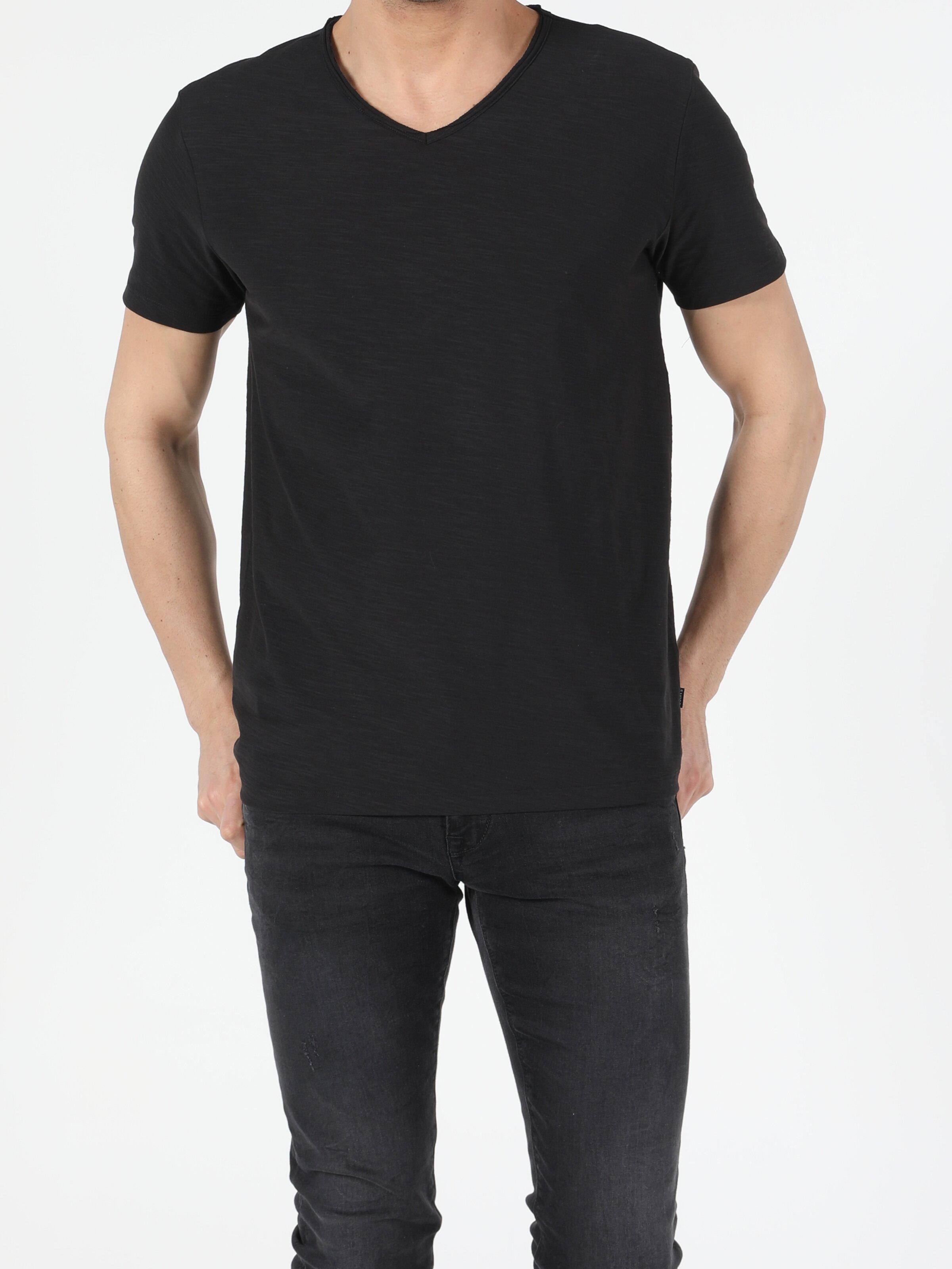 Regular Fit V Yaka Örme Erkek Siyah Kısa Kol Tişört
