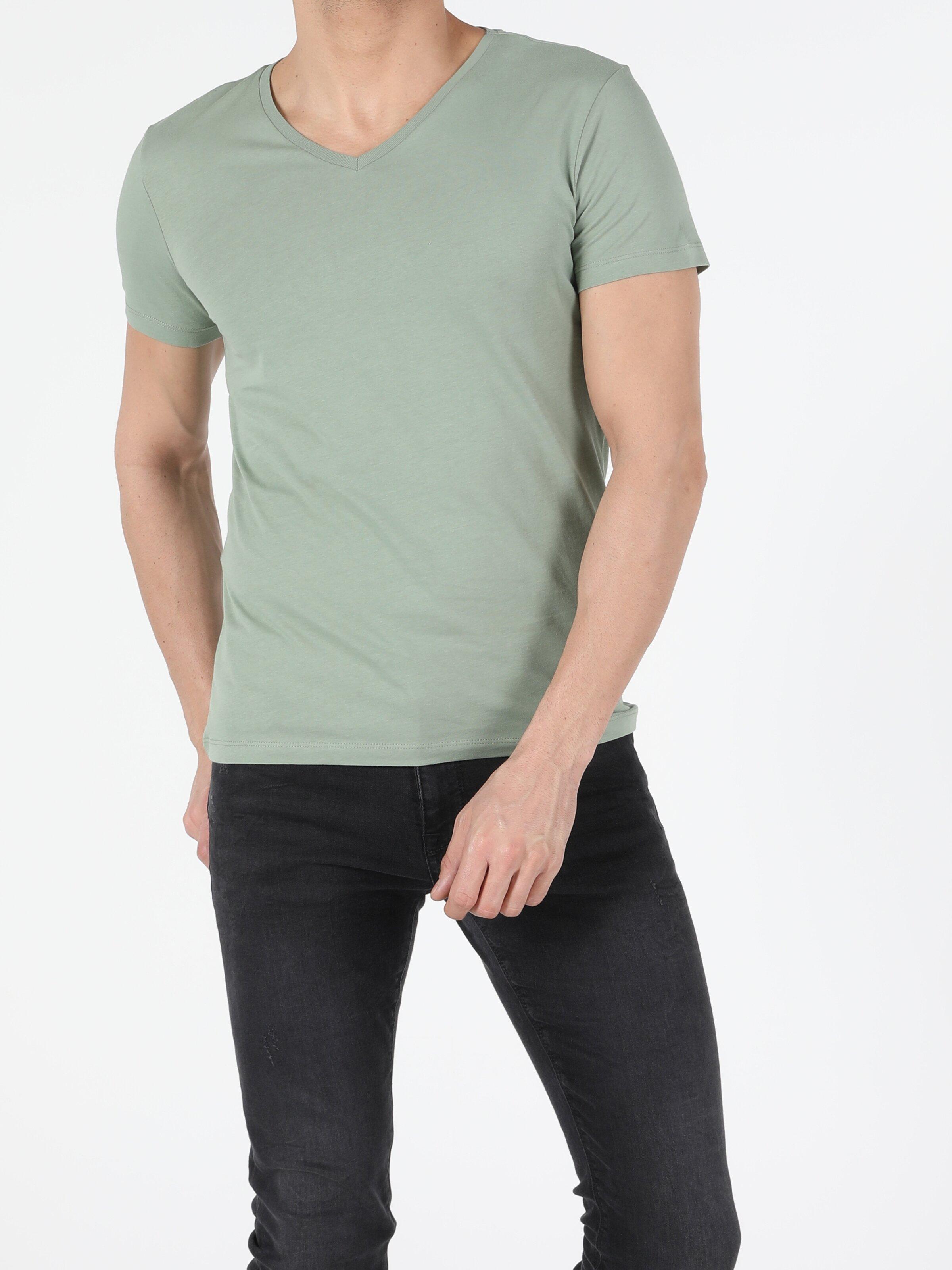 Slim Fit V Yaka Erkek Açık Haki Kısa Kol Tişört