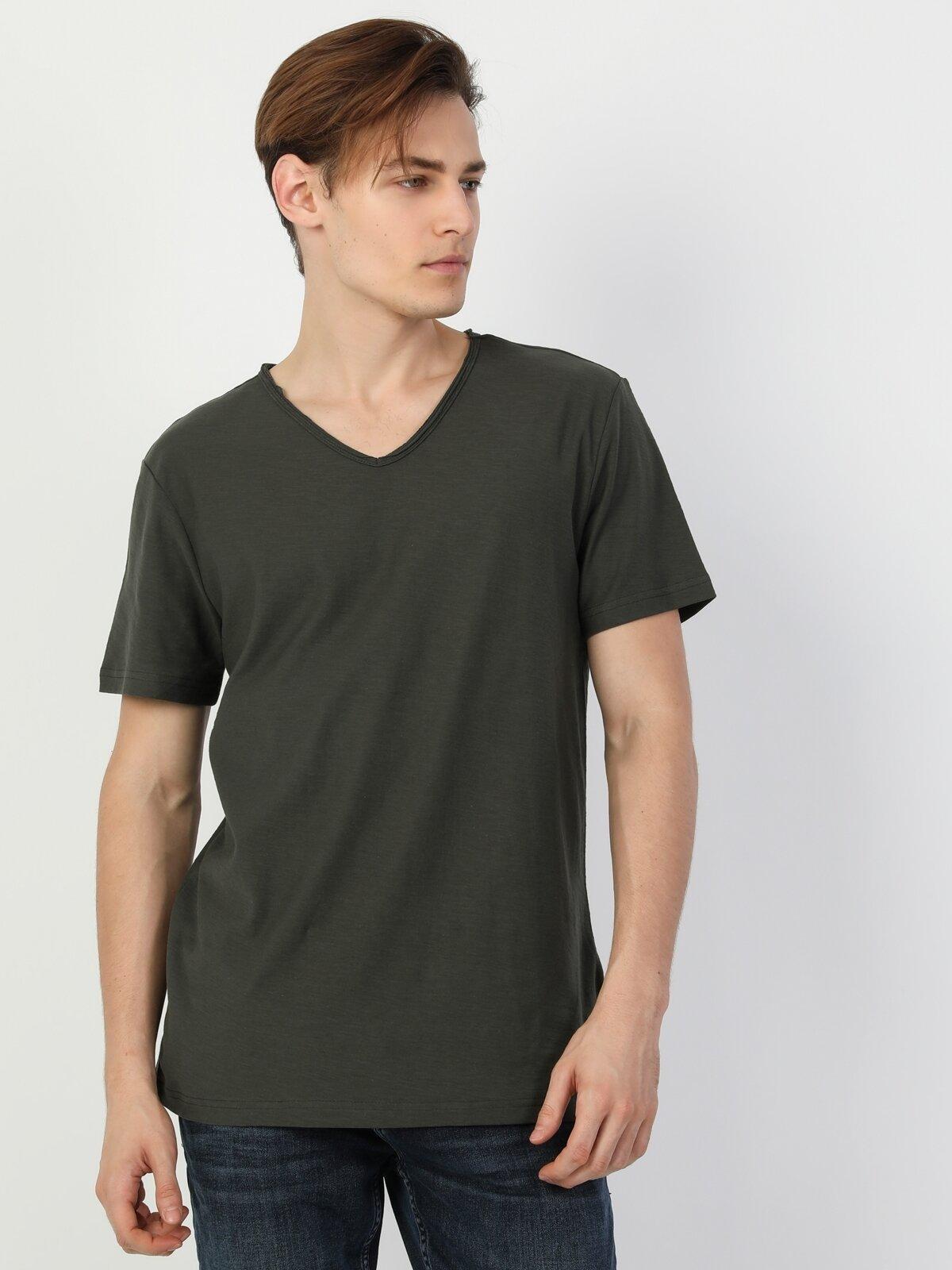 Regular Fit V Yaka Erkek Yeşil Erkek Kısa Kol Tişört