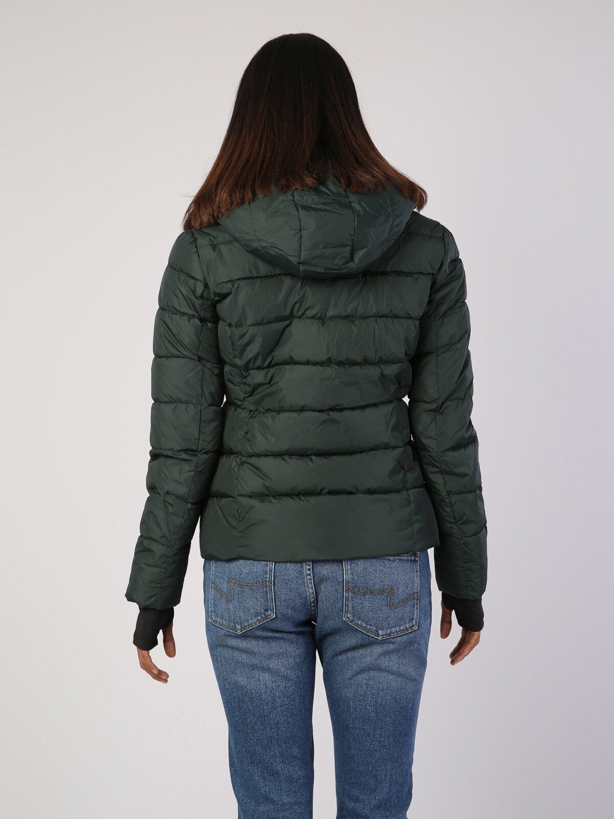 Yeşil Kadın Mont