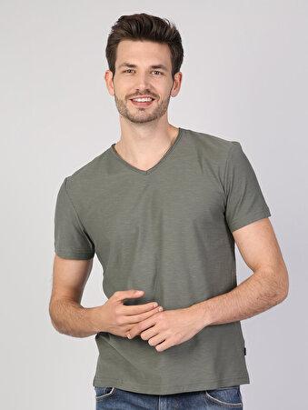 Haki V Yaka Kısa Kol Tişört