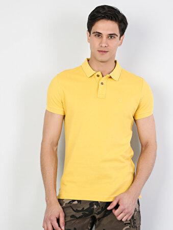 Dar Kesim Polo Yaka Sarı Kısa Kol Tişört