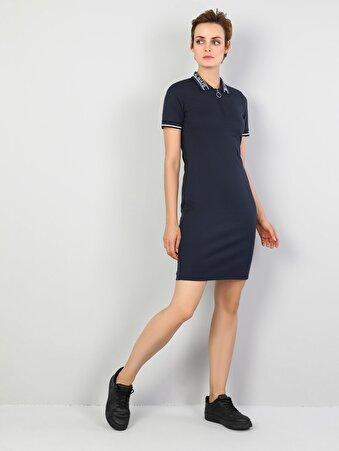Dar Kesim Düz Mini Lacivert Elbise