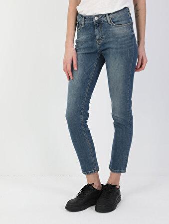 703 Carla Dar Kesim Normal Bel Düz Paça Kadın Mavi Jean Pantolon