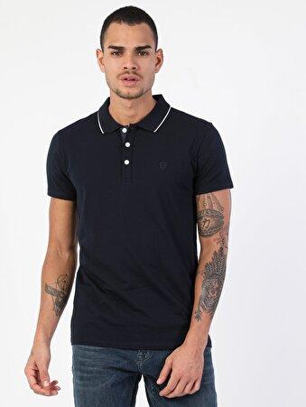 Dar Kesim Düğme Detaylı Lacivert Erkek Kısa Kol Tişört