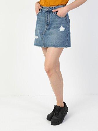 Düğme Detaylı Yırtık Mini Mavi Jean Etek
