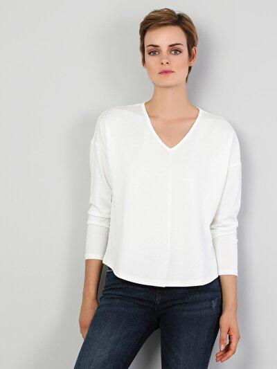 Regular Fit V Yaka Kadın Beyaz Tshirt Uzun Kol