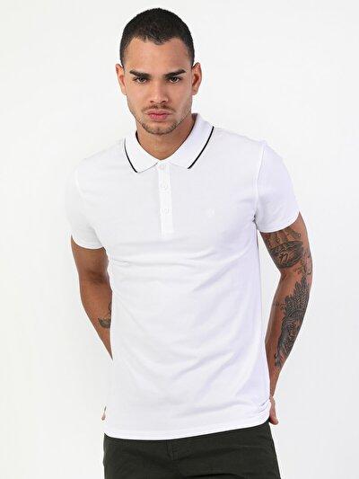 Dar Kesim Düğme Detaylı Beyaz Erkek Kısa Kol Tişört