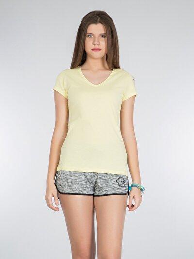 Sarı V Yaka Kısa Kol Tişört