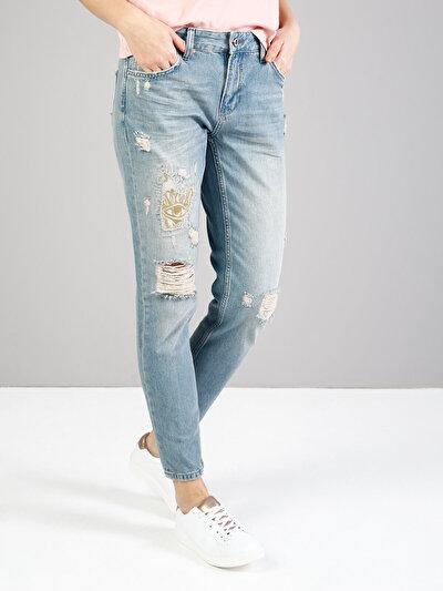 892 Alina Dar Kesim Orta Bel Kısa Paça Mavi Jean Pantolon