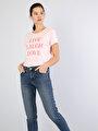Pembe Bisiklet Yaka Kadın Kısa Kol Tişört
